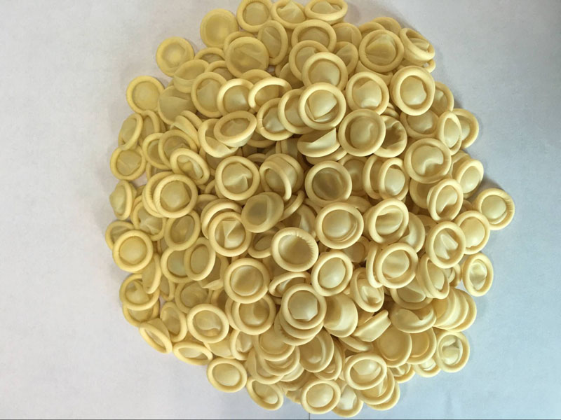 Low chlorine rubber yellow fin